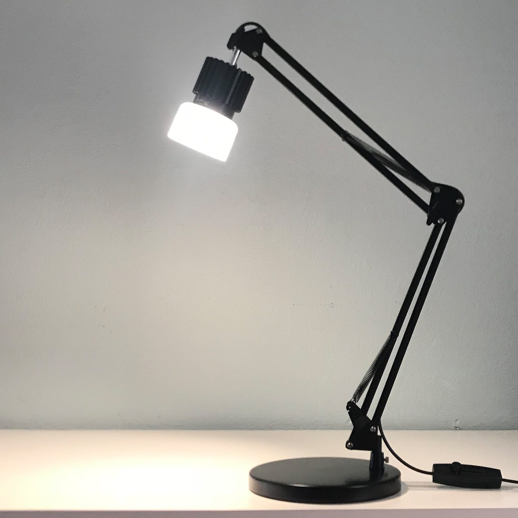 human centric light desk lamp